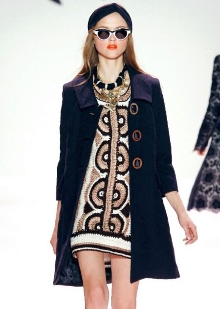 Вязаное платье крючком зимнее
