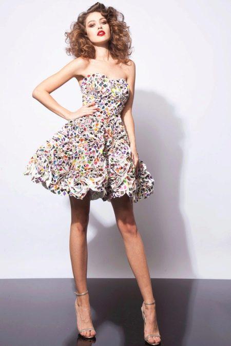 Короткое пышное цветное платье