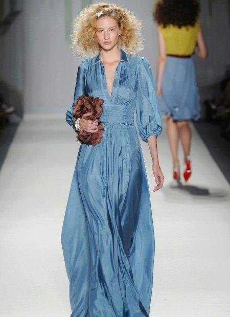 Платье в пастельно синем цвете