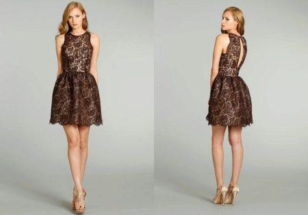 Короткое гипюровое коричневое платье