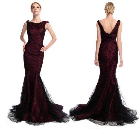 Красивое темно-коричневое платье