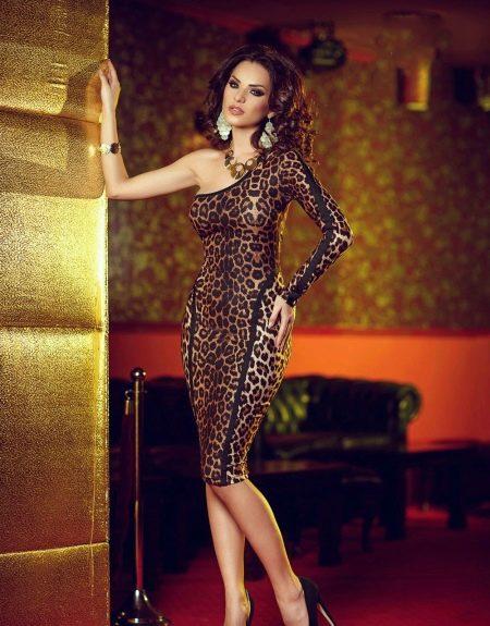 Коричневое леопардовое платье сексуальное