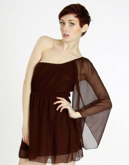 Коричневое платье с одним рукавом