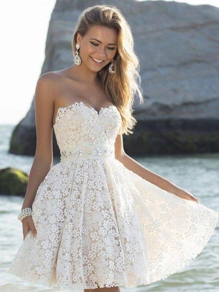 Молочное платье для девушки