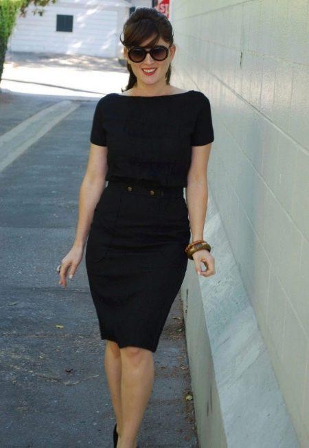 Офисное платье черного цвета
