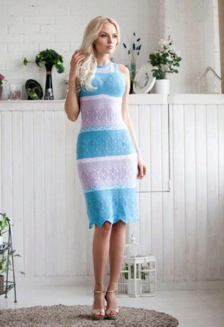 Двухцветное вязанное платье