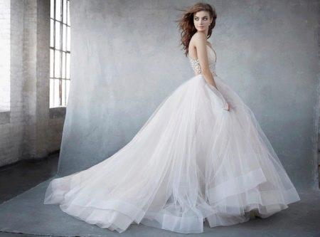 Свадебное платье из органзы от Лазаро