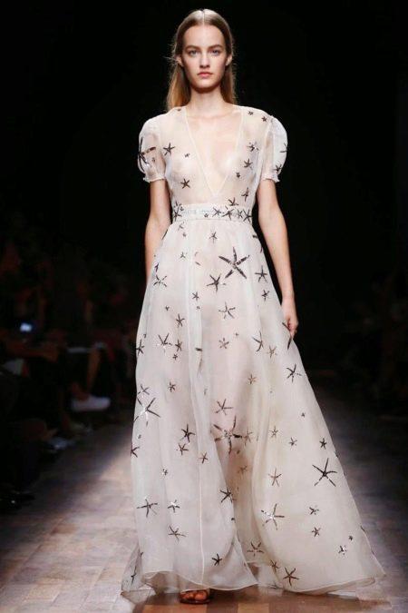 Белое платье из органзы от Валентино