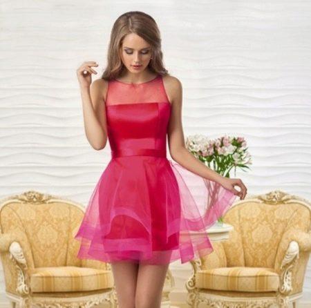 Короткое платье из органзы