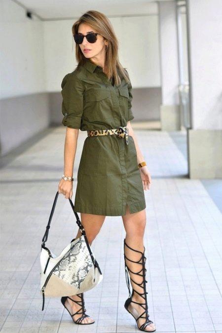Красивые черные сандалии к платью в стиле сафари
