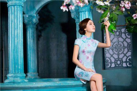 Нежно-голубое платье в китайском стиле