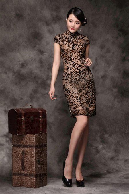 Украшения к леопардовому платью в китайском стиле