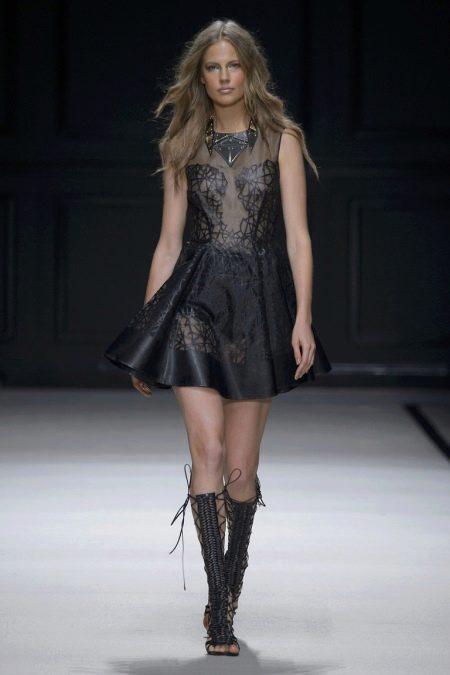Кружевное пышное платье в стиле рок