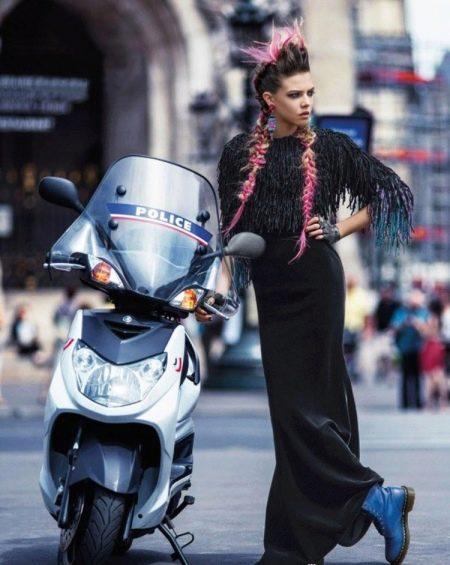 Платье в стиле панк рок в пол с бахрамой