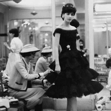 Платье а-силуэта в стиле Шанель