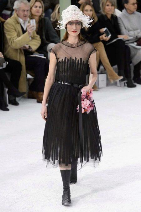 Коктейльное платье в стиле ретро от Шанель