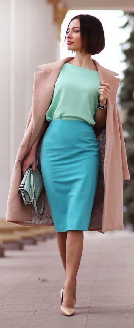 Мятное платье с голубым
