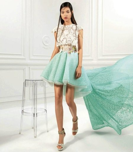 Мятно-белое платье
