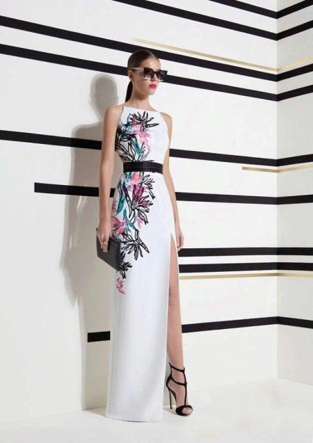 Платье с цветочным узором в пол