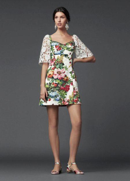 Цветочное платье с кружевом