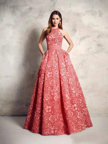 Платье с цветочным принтом пышное