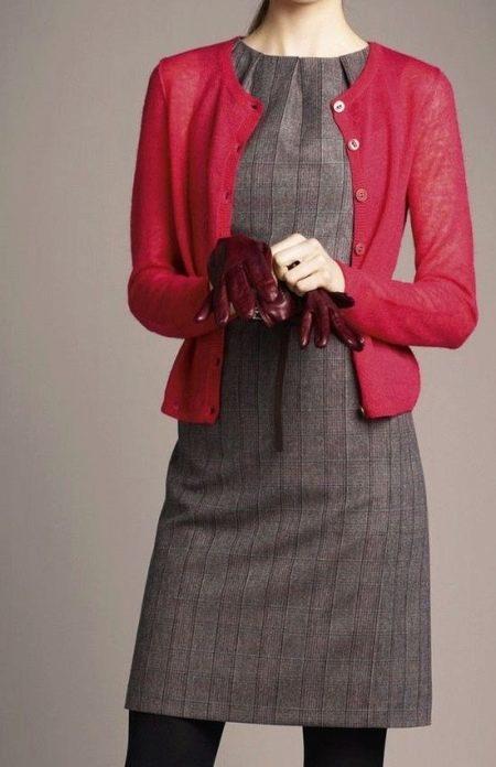 Платья в деловом стиле из натуральных тканей