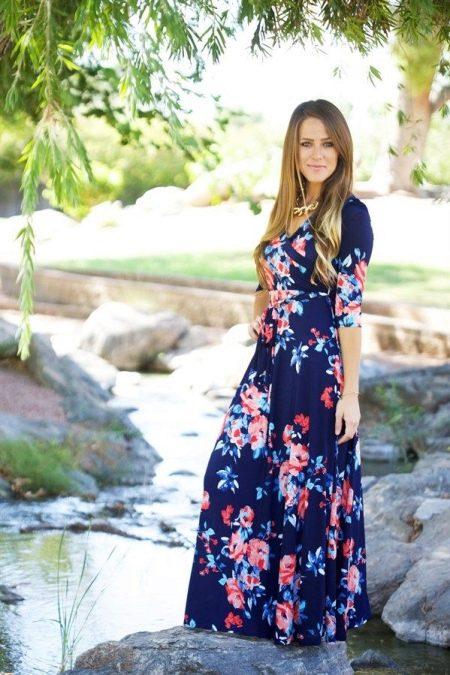 Длинное трикотажное платье в цветочек
