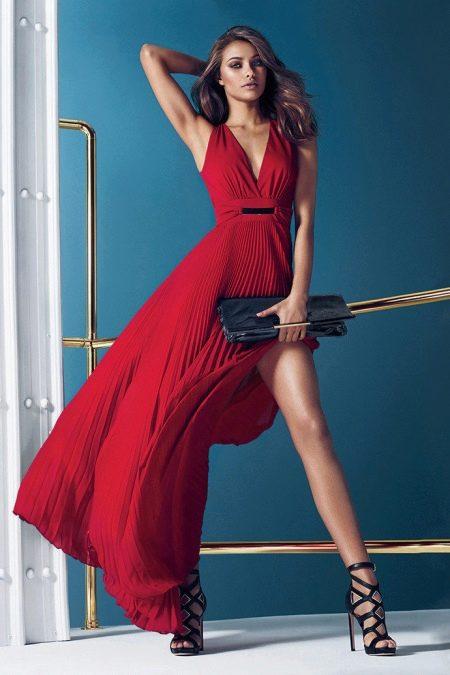 Красное платье в пол от Guess