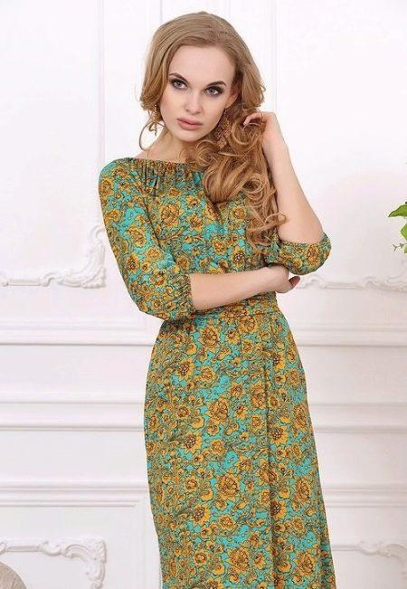 Платье из легкого трикотажа в восточном стиле