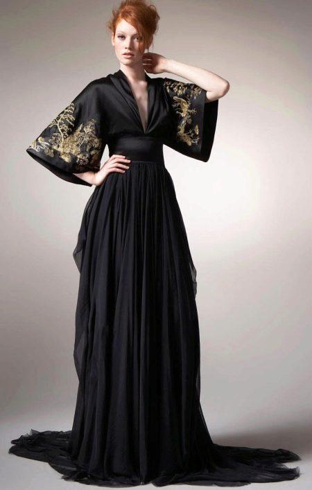Вечернее длинное черное платье с вышивкой в восточном стиле