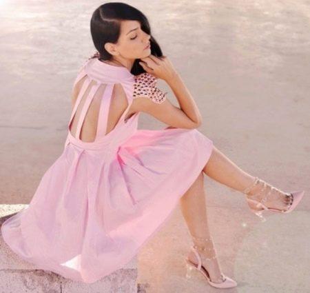 Аксессуары к розовому платью