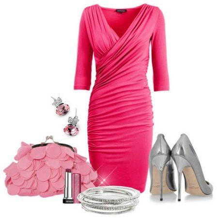 Серебристая обувь под розовое платье