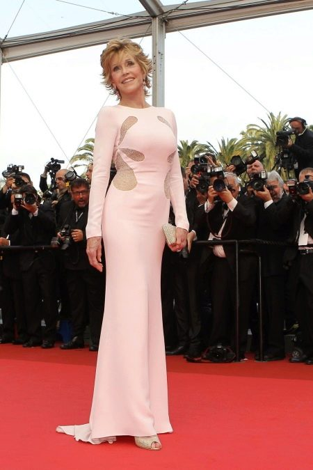 Розовое платье Джейн Фонда