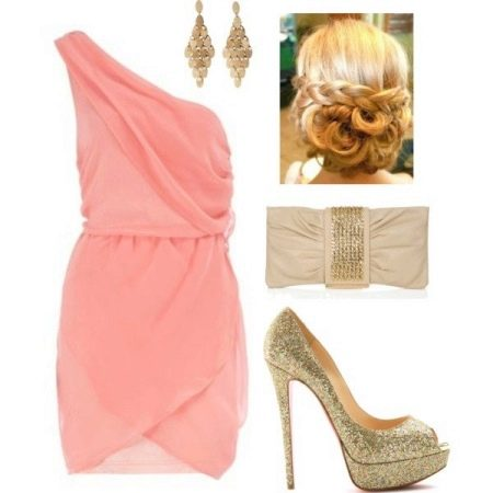 Золотые украшения к розовому платью