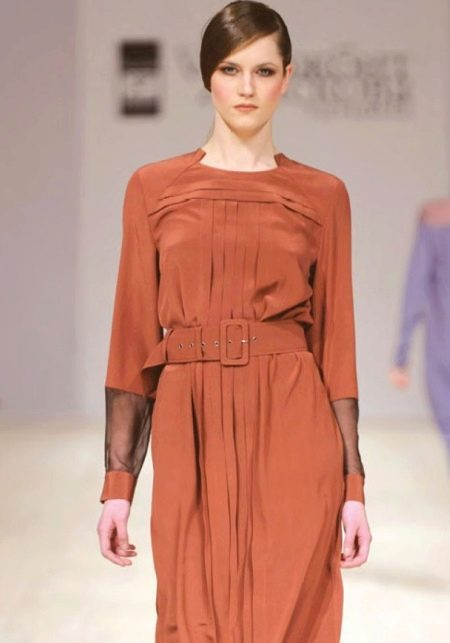 Шелковое платье с рукавами из шифона