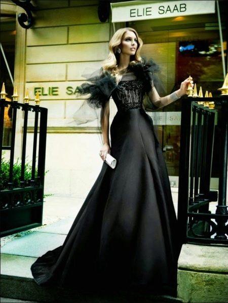 Вечернее платье из шелка а-силуэта