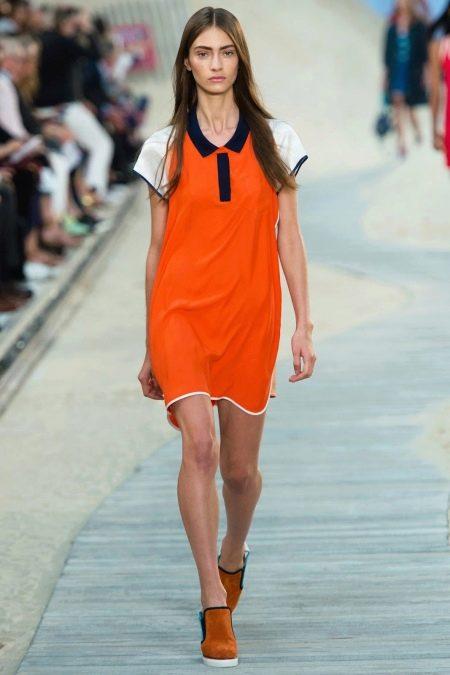 Оранжевое платье рубашка спортивного стиля