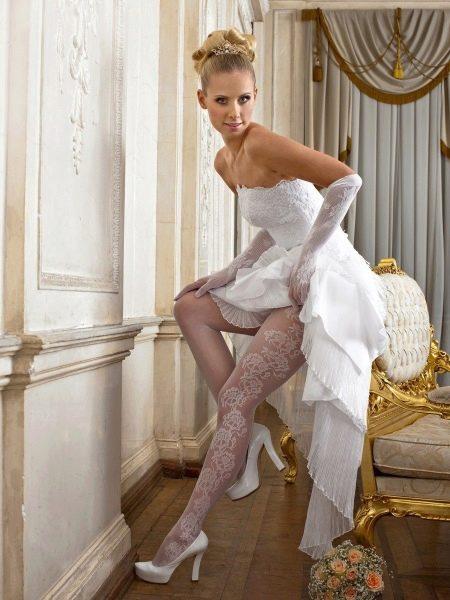 Чулки с цветочным принтом под свадебное платье
