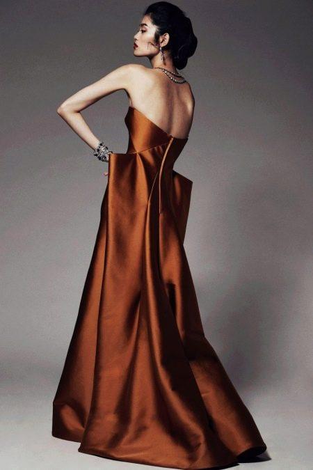 Необычное терракотовое платье