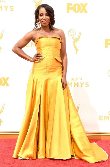 Открытое платье цвета желтого дуба
