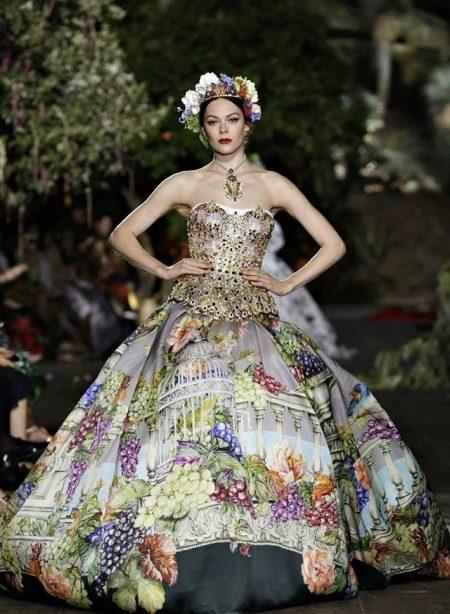 Вечернее пышное платье  с принтом
