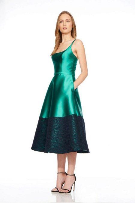 Шелковое платье с гипюровой отделкой
