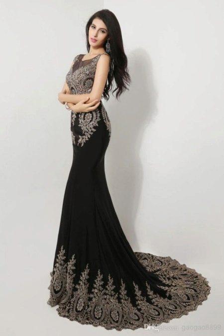 Выпускное платье со вставками из гипюра