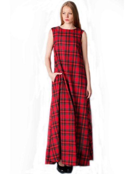 Длинное красное платье в клетку