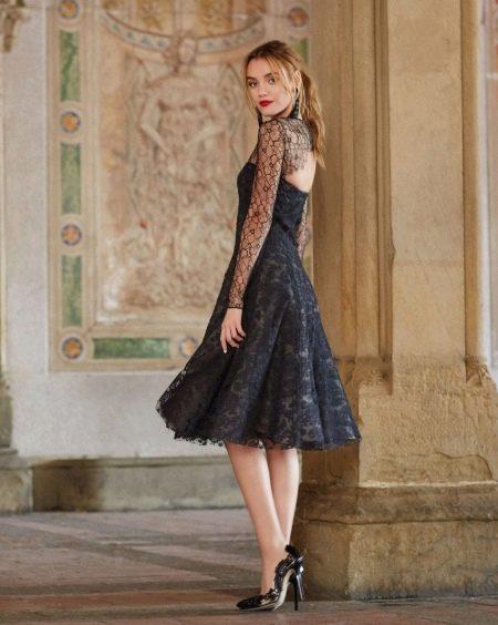 Кружевное платье в стиле нью лук