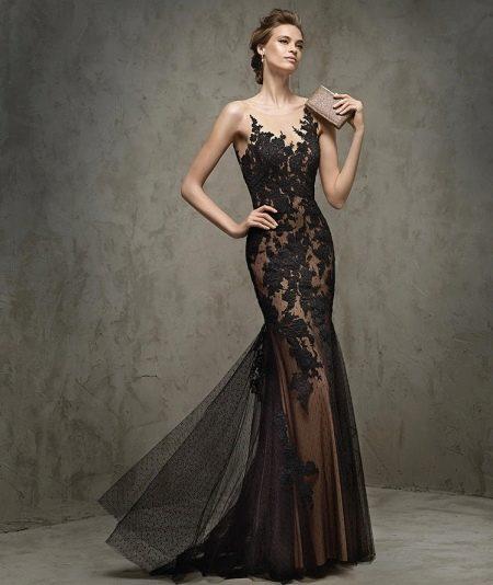 Кружевное платье со шлейфом от Роза Клара