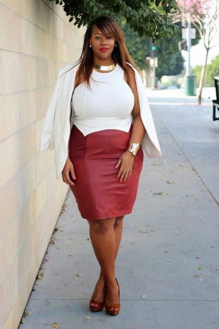 Красивое двухцветное платье для полных женщин