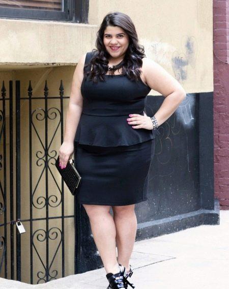 Черное офисное платье для полных