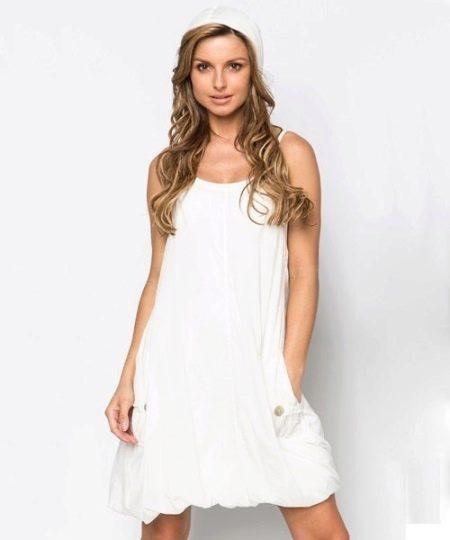 Трикотажное платье-баллон