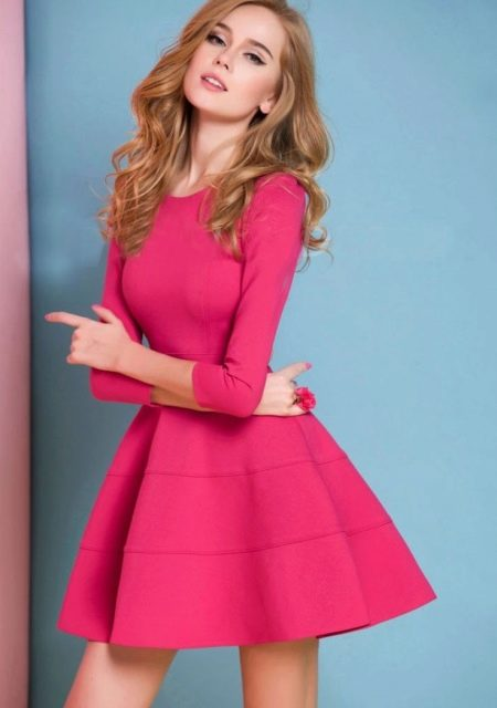 Розовое платье в стиле бэби долл